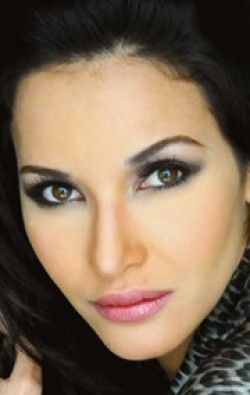 Full Adriana Campos filmography who acted in the TV series Bella Calamidades.