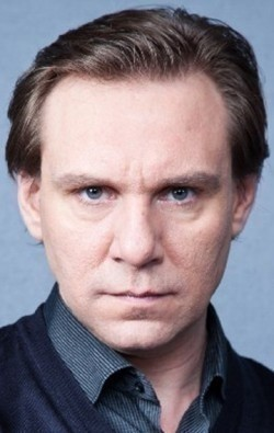 Full Andrei Yegorov filmography who acted in the TV series Blizkie lyudi.
