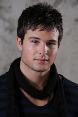 Full Cody Longo filmography who acted in the TV series Hollywood Heights.