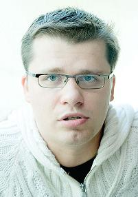 Full Garik Harlamov filmography who acted in the TV series Projektorperishilton (serial 2008 - 2012).