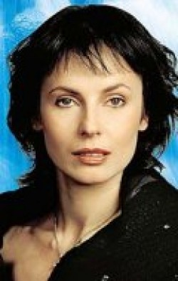 Full Irina Apeksimova filmography who acted in the TV series Effekt domino.