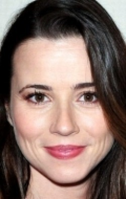 Full Linda Cardellini filmography who acted in the TV series Freaks and Geeks.