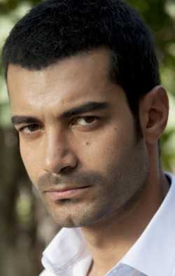 Full Murat Unalmis filmography who acted in the TV series Yer Gök Ask.