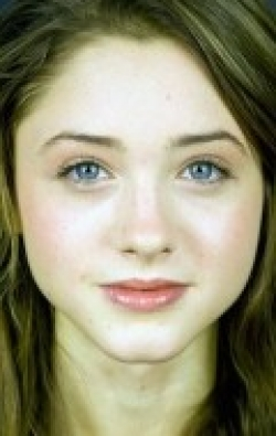 Full Natalia Dyer filmography who acted in the TV series Stranger Things.