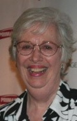 Full Polly Holliday filmography who acted in the TV series Flo.