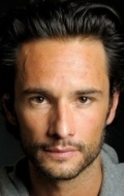 Full Rodrigo Santoro filmography who acted in the TV series Suave Veneno.