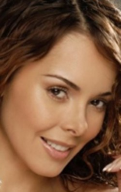 Full Roxana Diaz filmography who acted in the TV series Mis 3 hermanas.