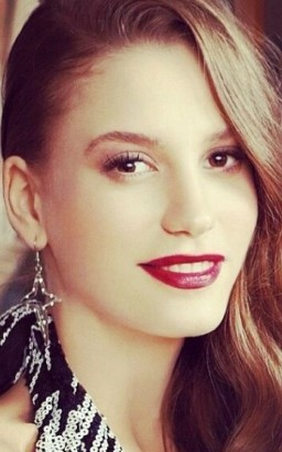 Full Serenay Sarikaya filmography who acted in the TV series Medcezir.