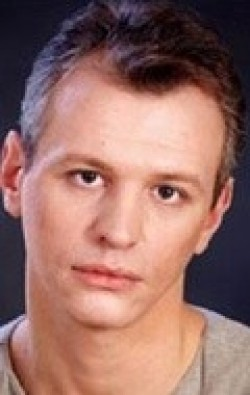 Full Sergei Yushkevich filmography who acted in the TV series Vzroslyie docheri (serial).