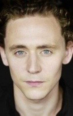 Full Tom Hiddleston filmography who acted in the TV series Galápagos.